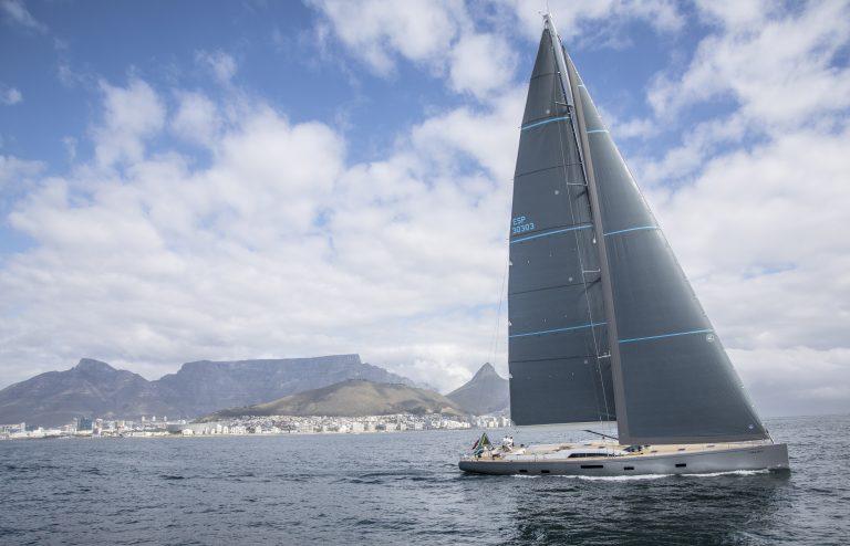 SW105_02 - Kiboko III Sailing (2)